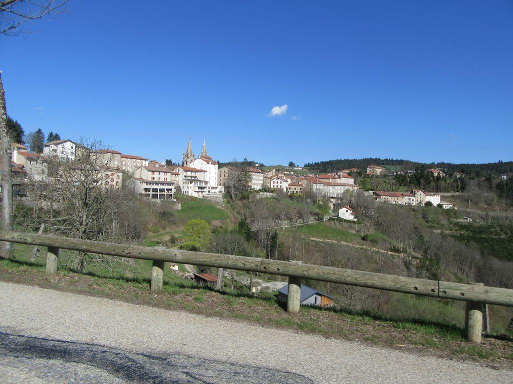 De Lalouvesc à Nozières, puis Lamastre ...