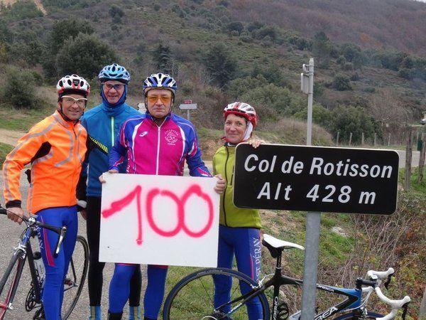 Toujours en bleu , pour les fêtes au Col de Rotisson, fin 2015 : les 100 fois de Maurice, les 100 fois de Philippe, l'anniversaire d'André