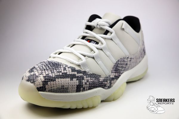 Nike Air Jordan XI Low Rétro Snakeskin Light Bone