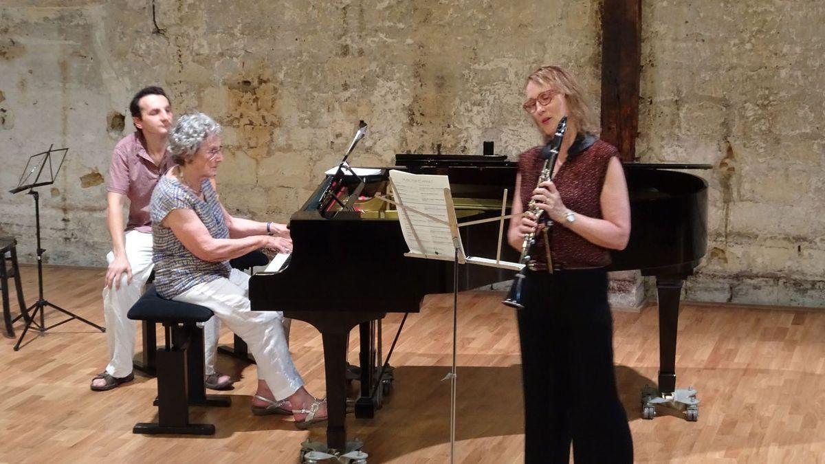 Irène et Mary-Louise dans l'arrangement du 1er mouvt. du quintette de Mozart