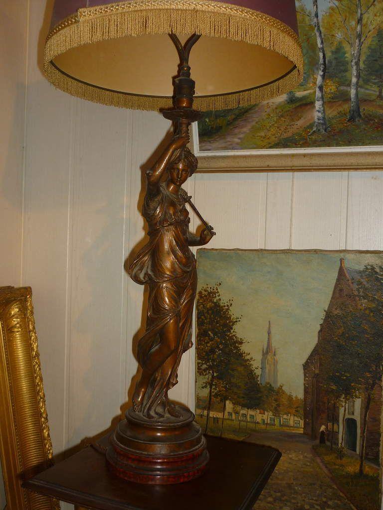 lampe Art nouveau en régule à vendre