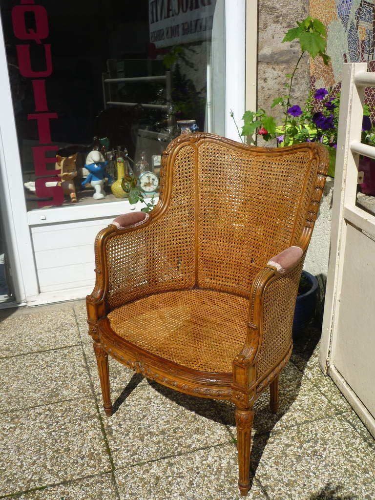 fauteuil Bergère canné style Louis XVI