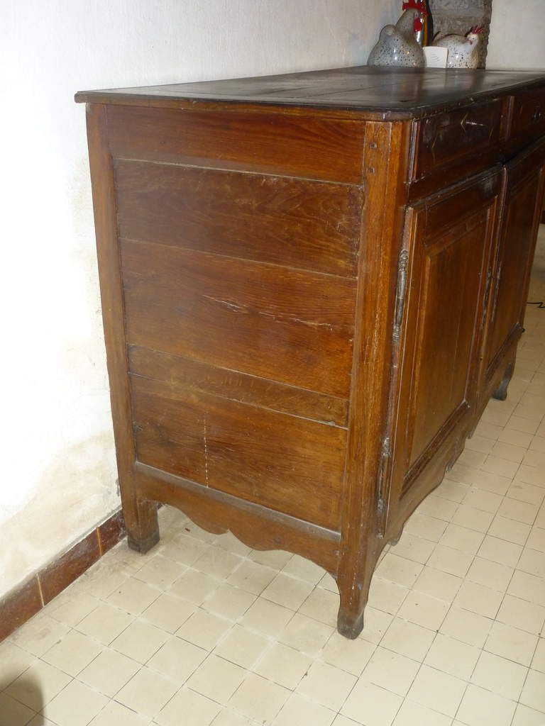 buffet ancien en noyer
