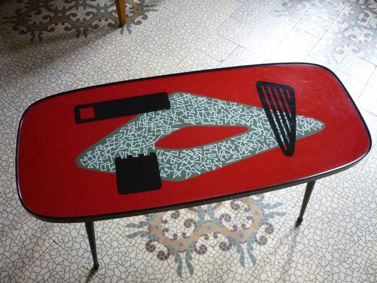 table vintage design 50 rouge moderniste