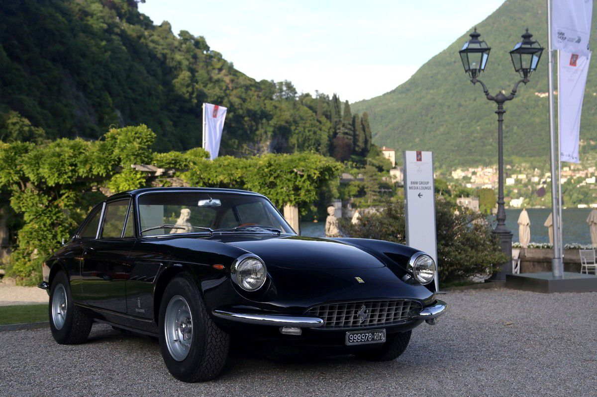 VOITURES DE LEGENDE (666) : FERRARI 330 GTC PININ FARINA COUPE - 1966