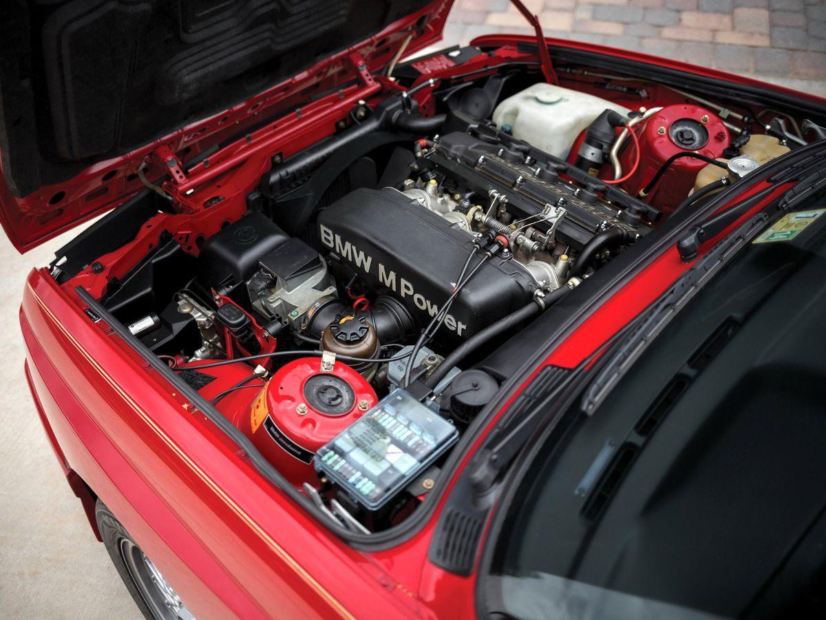 VOITURES DE LEGENDE (700) : BMW  M3  COUPE  E30 - 1987