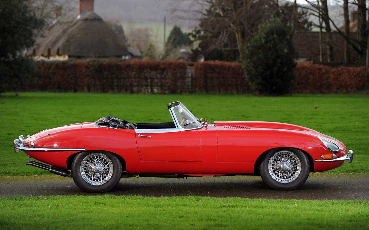 VOITURES DE LEGENDE (709) : JAGUAR  TYPE  E  OPEN TWO SEATER SERIES I - 1961
