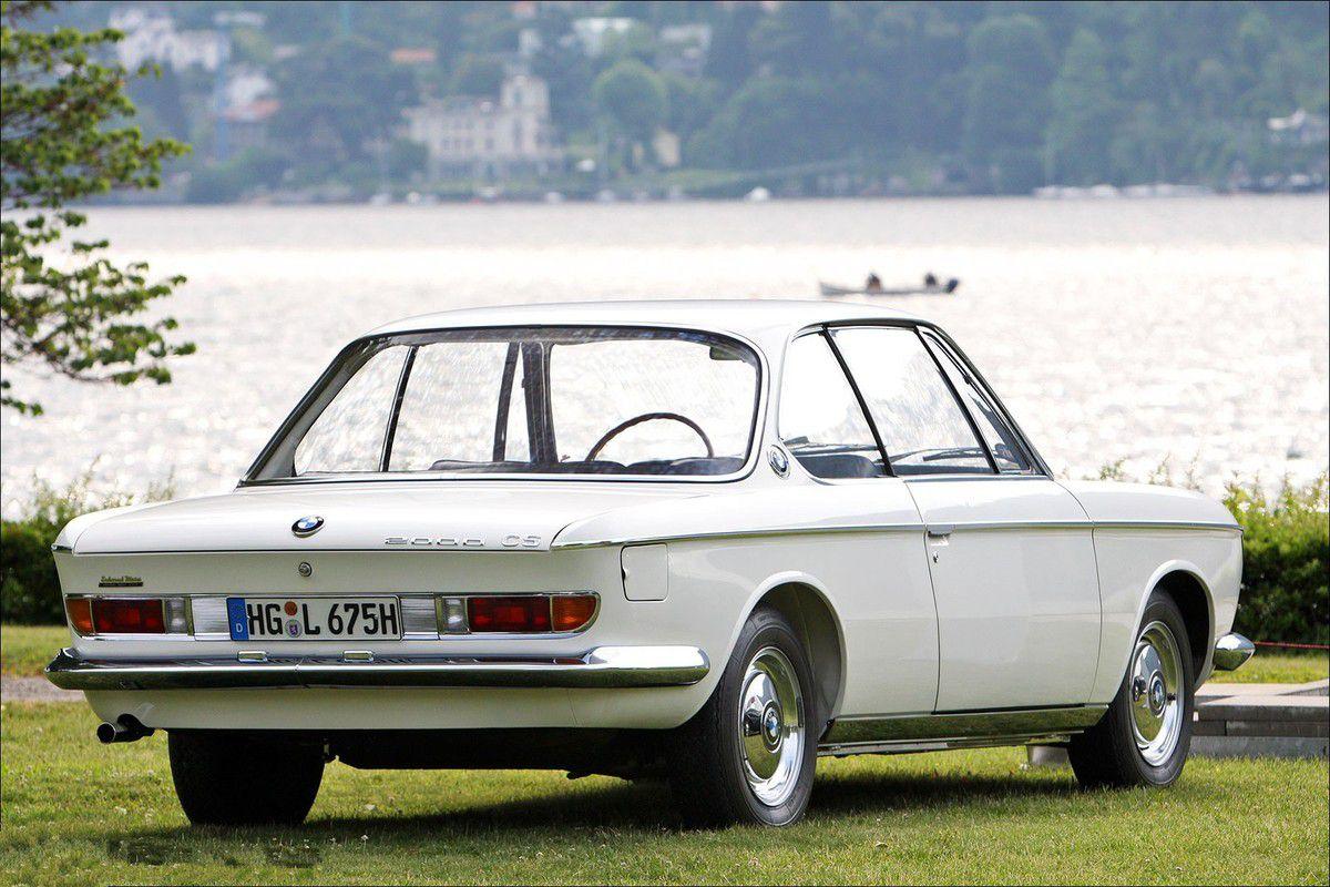 VOITURES DE LEGENDE (710) : BMW  2000 CS - 1966