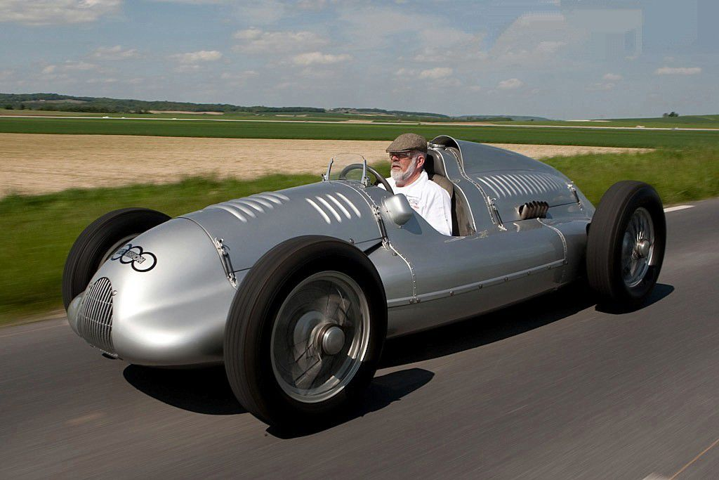 VOITURES DE LEGENDE (717) : AUTO UNION  TYPE D - 1938
