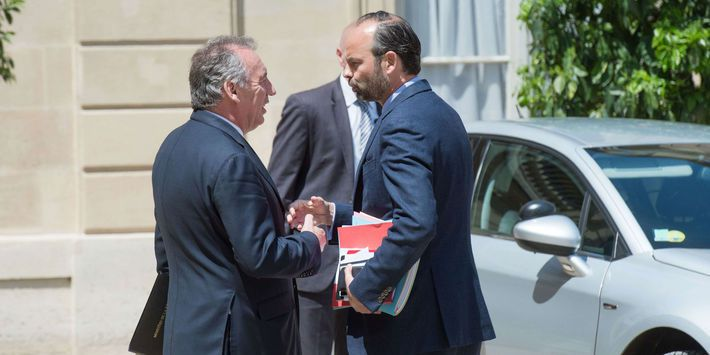 BAYROU QUITTE LE GOUVERNEMENT : LA DURE LOI DE LA POLITIQUE !...