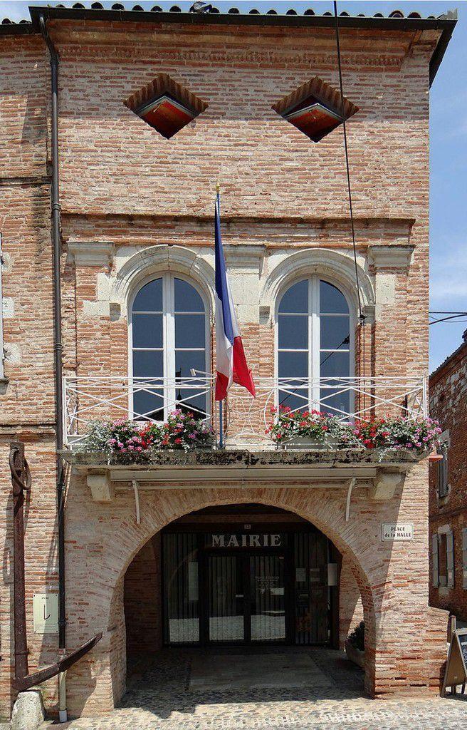 LES PLUS BEAUX VILLAGES DE FRANCE : AUVILLAR  (TARN-ET-GARONNE)