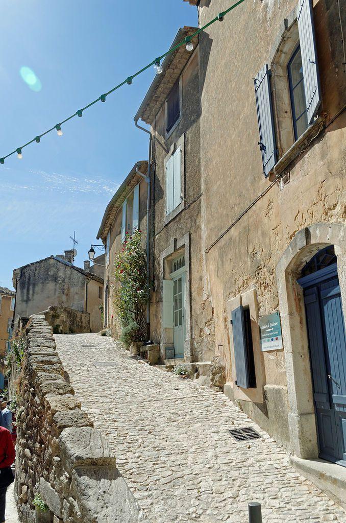 LES PLUS BEAUX VILLAGES DE FRANCE : MENERBES  (VAUCLUSE)