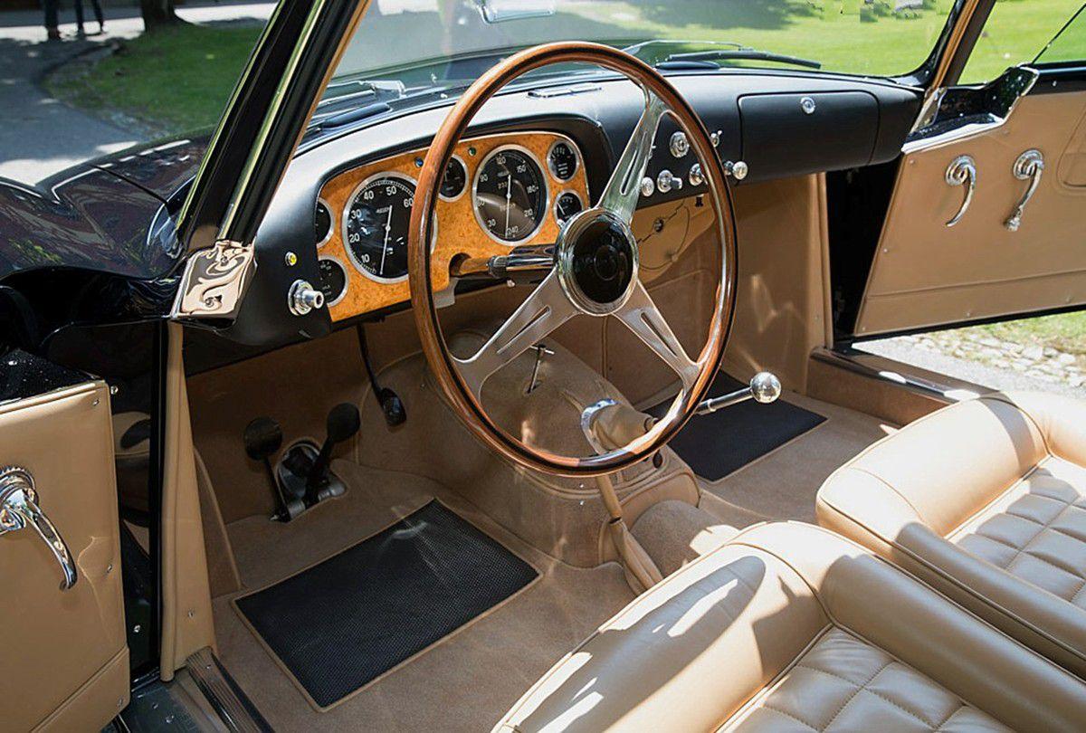 VOITURES DE LEGENDE (790) : FIAT  8V  VIGNALE COUPE - 1955