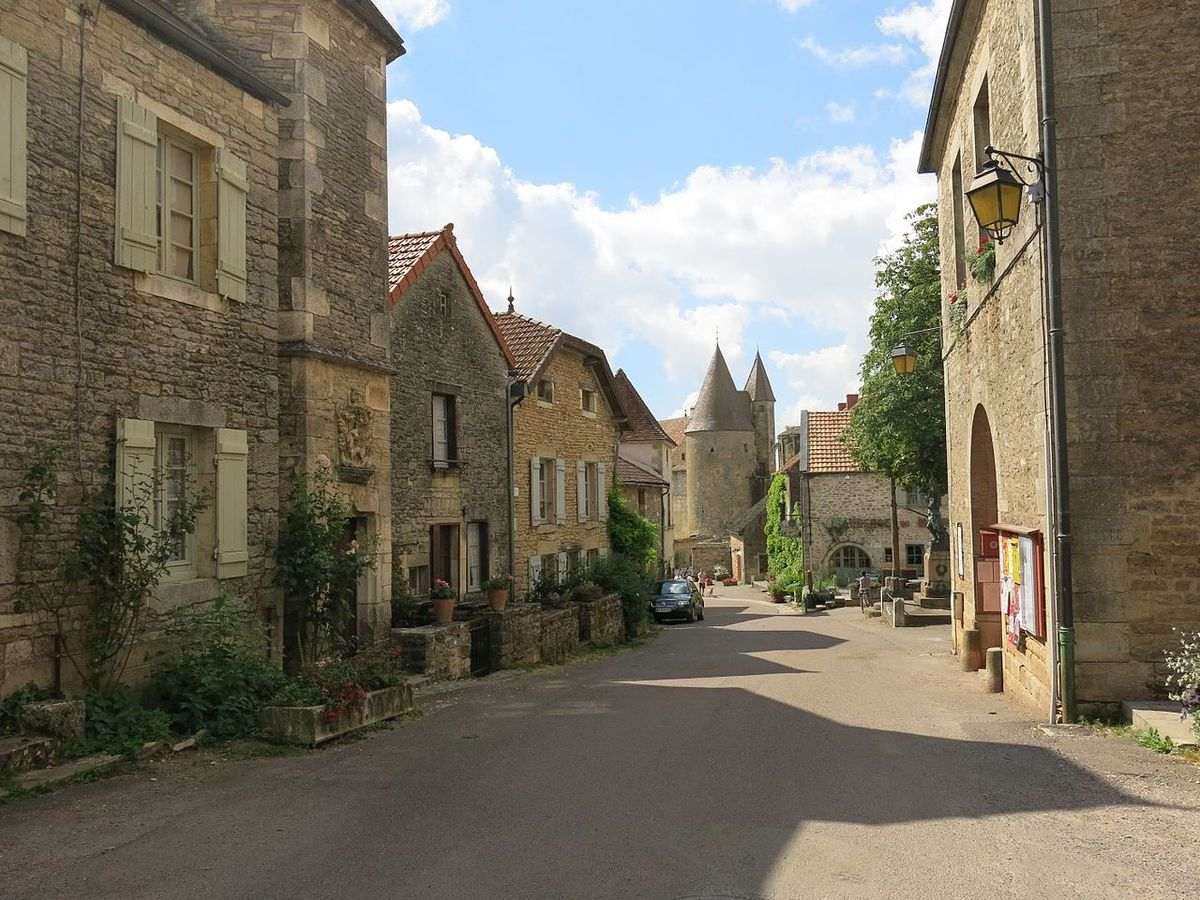 LES PLUS BEAUX VILLAGES DE FRANCE : CHATEAUNEUF  (COTE d'OR)