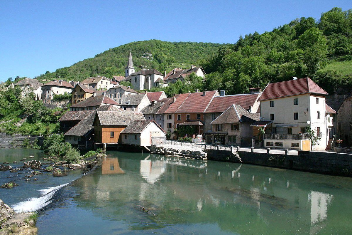 LES PLUS BEAUX VILLAGES DE FRANCE : LODS  (DOUBS)