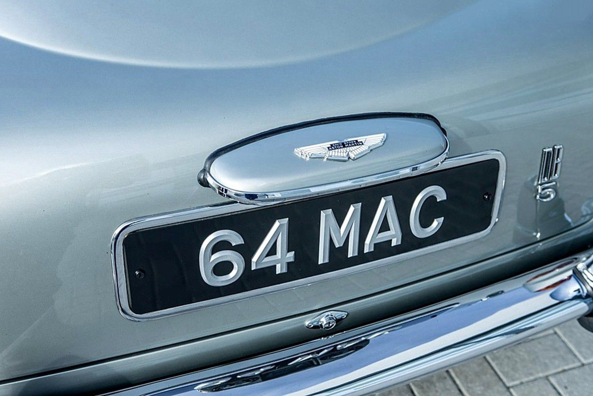 VOITURES DE LEGENDE (805) : ASTON MARTIN  DB5 - 1964