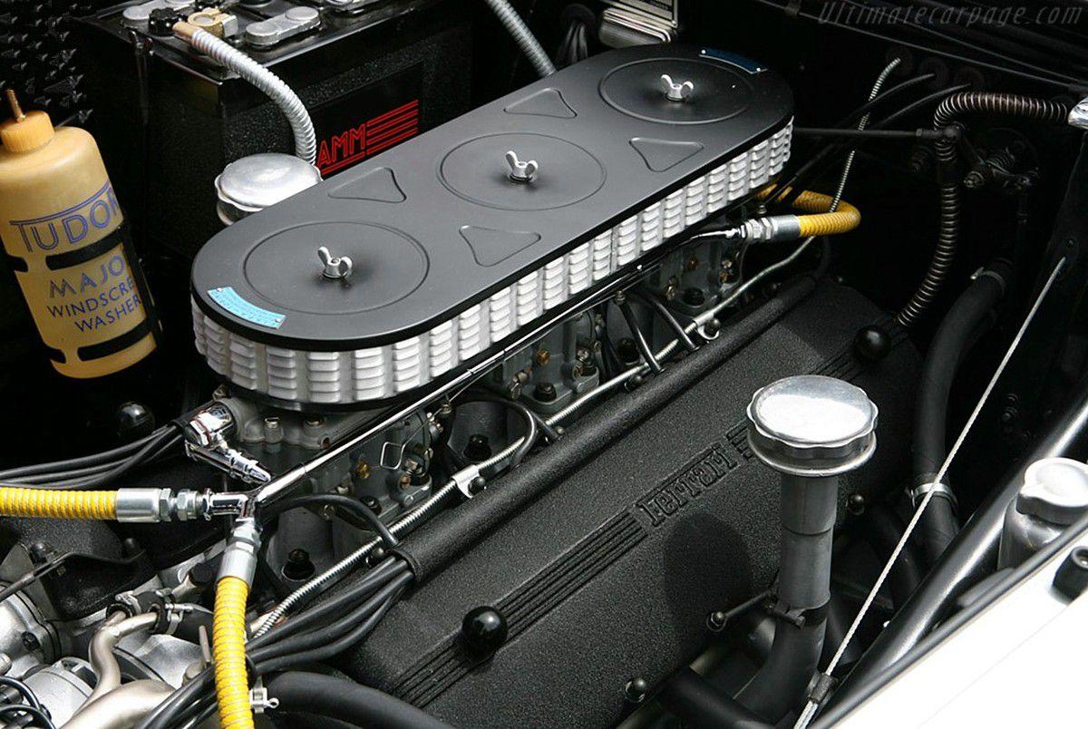 VOITURES DE LEGENDE (822) : FERRARI  250 EUROPA GT  PININ FARINA BERLINETTA - 1955