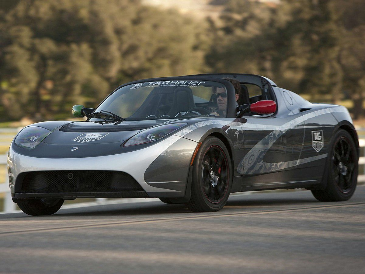 "VOITURES DE LEGENDE (823) : TESLA ROADSTER ""TAG HEUER"" - 2010"