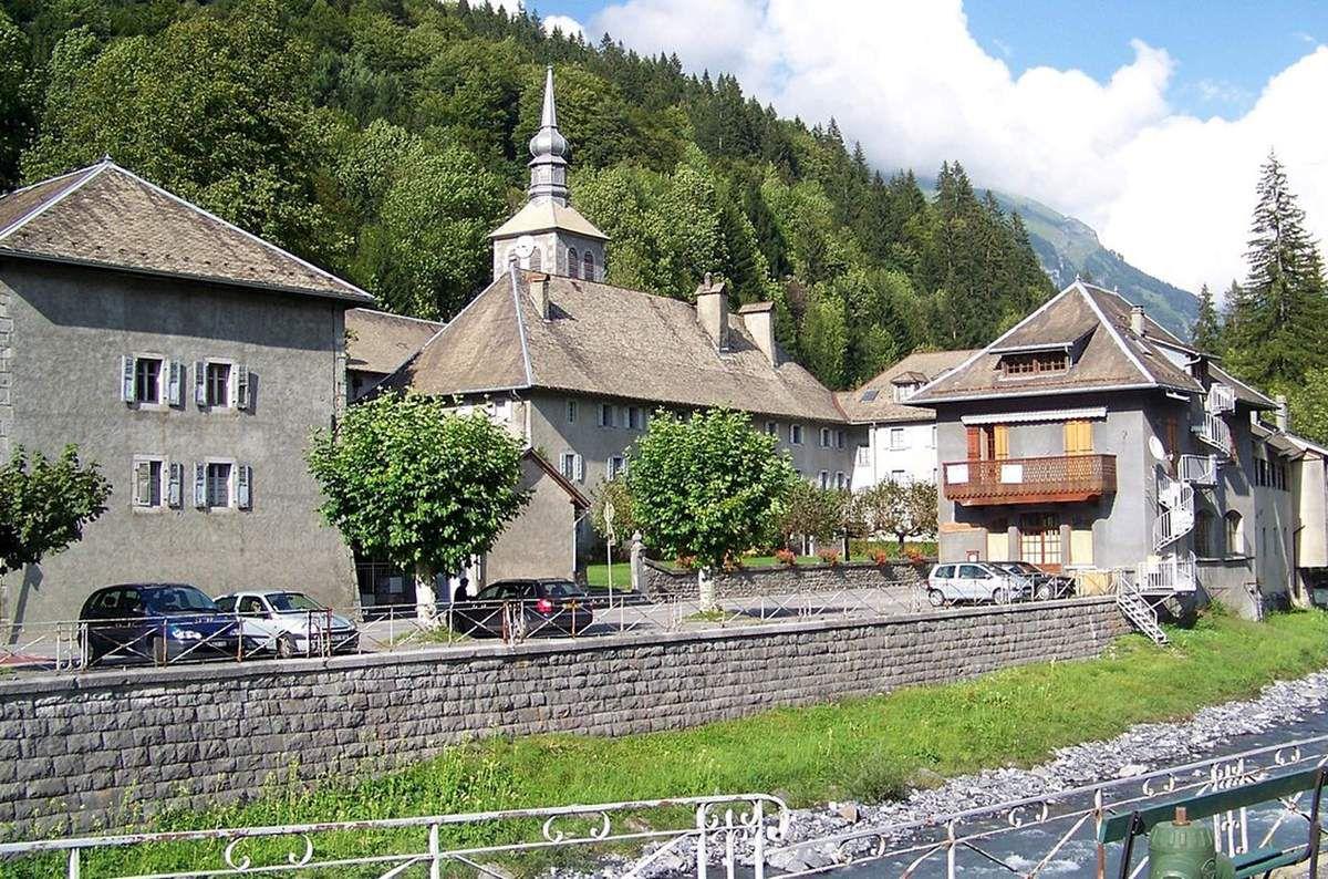 LES PLUS BEAUX VILLAGES DE FRANCE : SIXT-FER-A-CHEVAL  (HAUTE-SAVOIE)