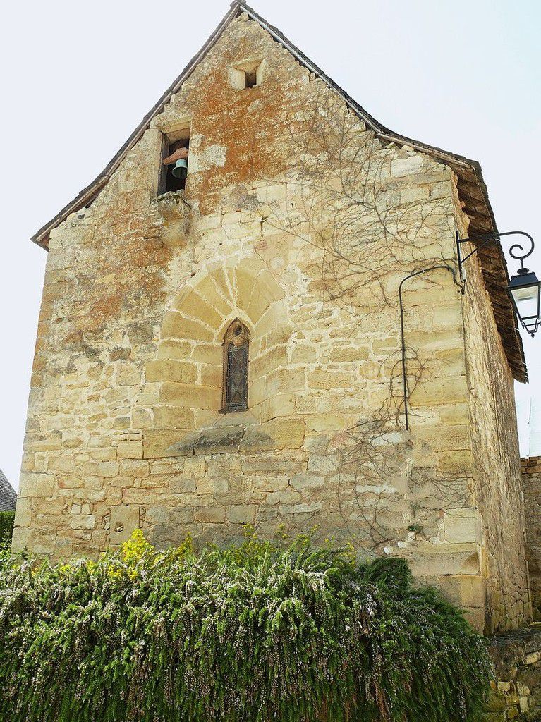 LES PLUS BEAUX VILLAGES DE FRANCE : SAINT-ROBERT  (CORREZE)