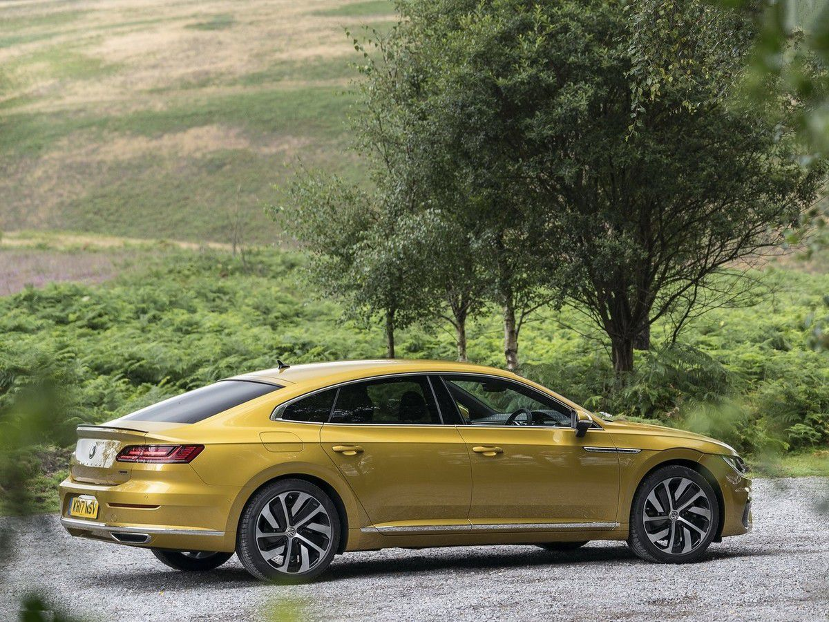 VOITURES DE LEGENDE (831) : VOLKSWAGEN  ARTEON R-LINE VERSION UK - 2018