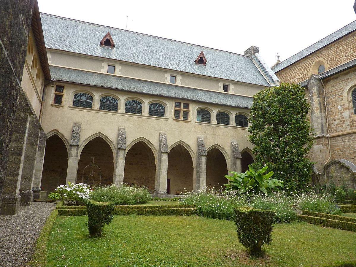 TRESORS DU PATRIMOINE FRANCAIS : ABBAYE DE LOC-DIEU  (AVEYRON)