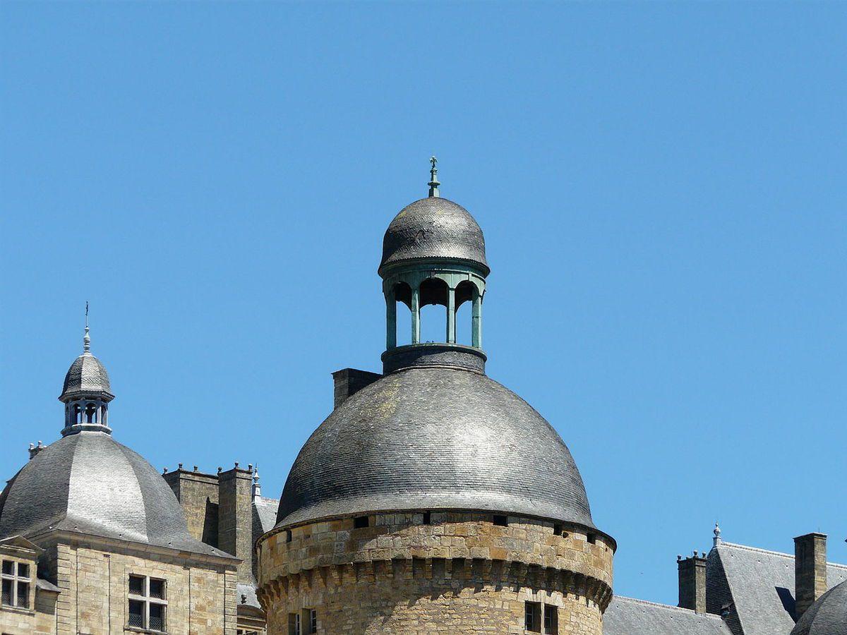 TRESORS DU PATRIMOINE FRANCAIS : CHATEAU DE HAUTEFORT  (DORDOGNE)