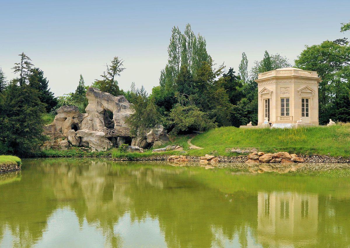 TRESORS DU PATRIMOINE FRANCAIS : VERSAILLES  (YVELINES) - LE PETIT TRIANON