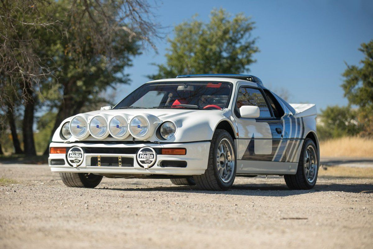 VOITURES DE LEGENDE (856) : FORD  RS 200 EVO - 1986