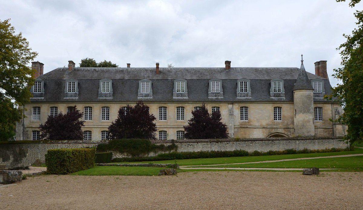 TRESORS du PATRIMOINE FRANCAIS : LE BEC-HELLOIN (EURE) - L'ABBAYE NOTRE-DAME DU BEC