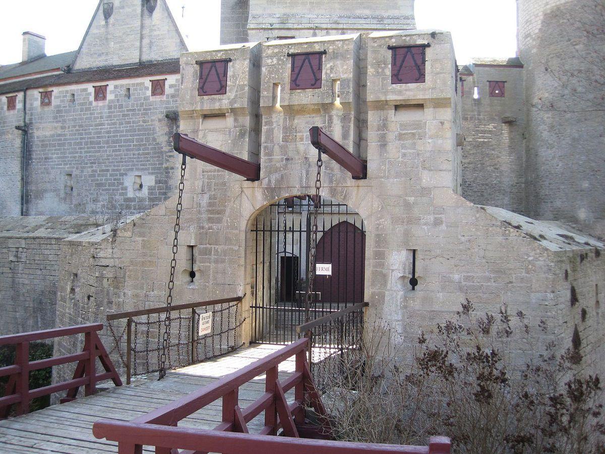 TRESORS DU PATRIMOINE DE FRANCE : CHATEAU DE LA ROCHEPOT  (COTE d'OR)