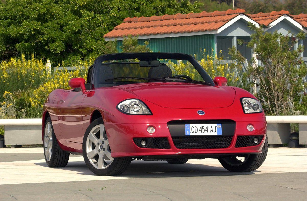 VOITURES DE LEGENDE (874) : FIAT  BARCHETTA - 2003