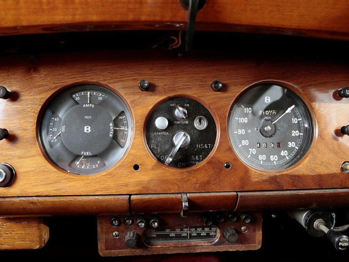 VOITURES DE LEGENDE (875) : BENTLEY  MARK VI   HAROLD RADFORD COUNTRYMAN - 1950