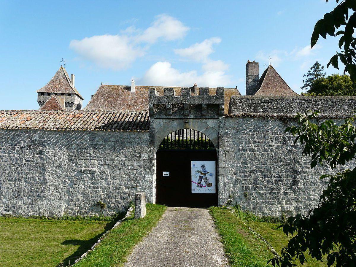 TRESORS DU PATRIMOINE FRANCAIS : LE CHATEAU DE GAGEAC  (DORDOGNE)