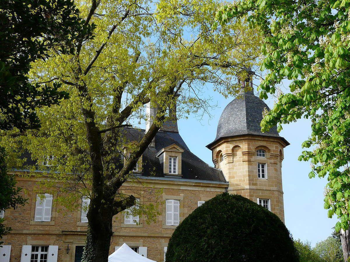 TRESORS DU PATRIMOINE FRANCAIS : LE CHATEAU D'ESSENDIERAS  (DORDOGNE)