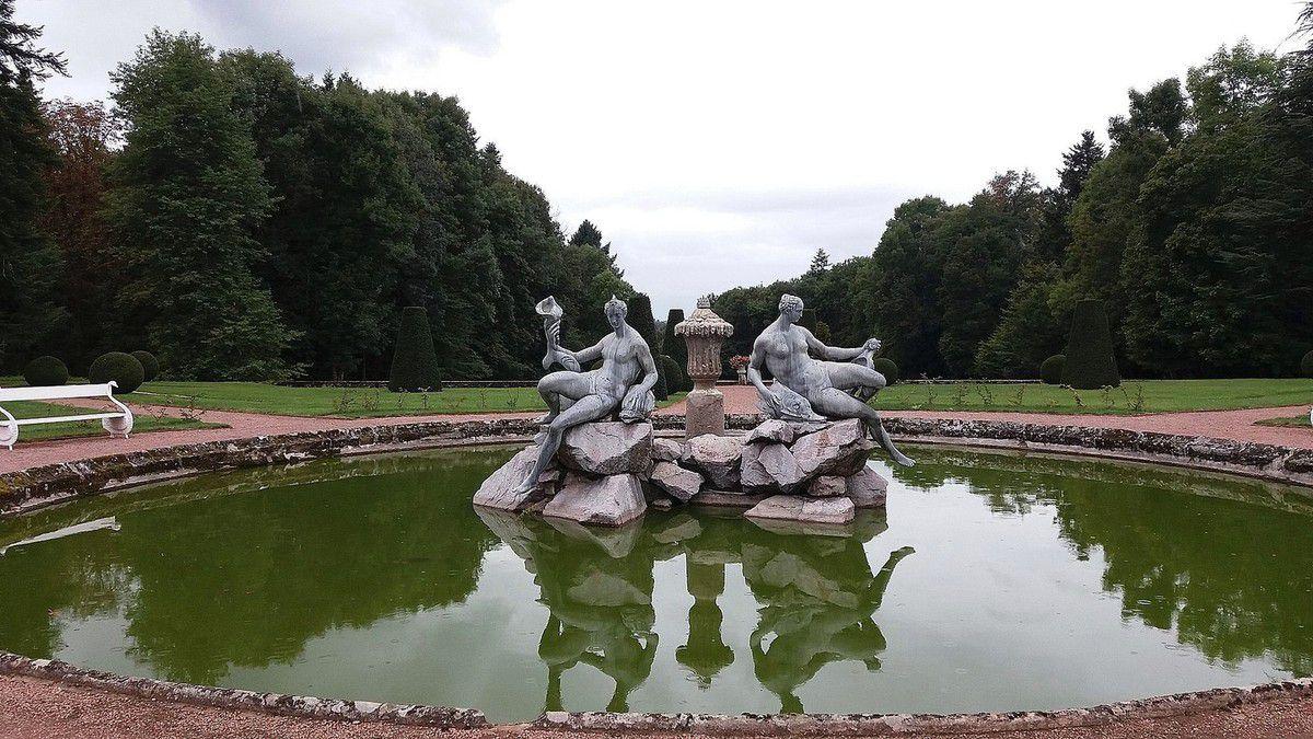 TRESORS DU PATRIMOINE FRANCAIS : LE CHATEAU DE DREE  (SAONE-ET-LOIRE)
