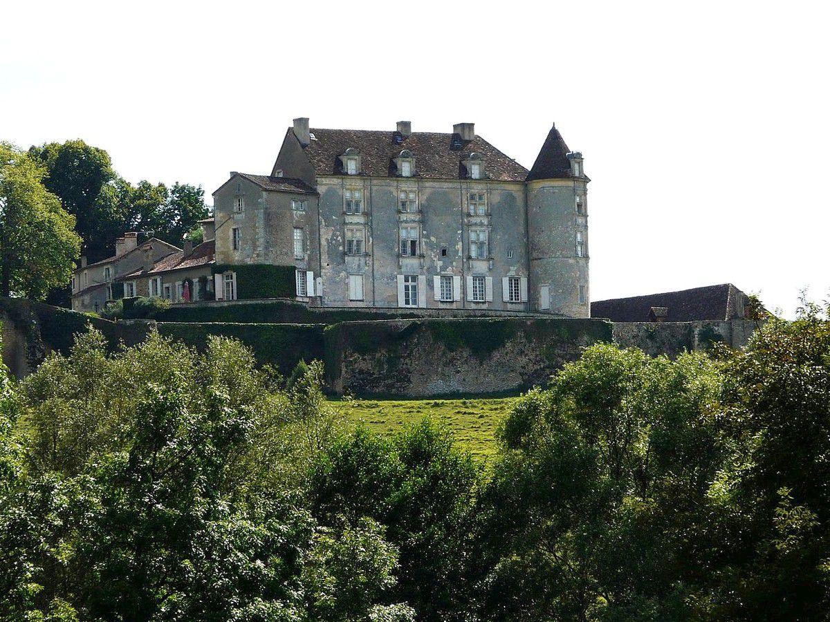 TRESORS DU PATRIMOINE FRANCAIS : ISSAC  (DORDOGNE) - LE CHATEAU DE MONTREAL