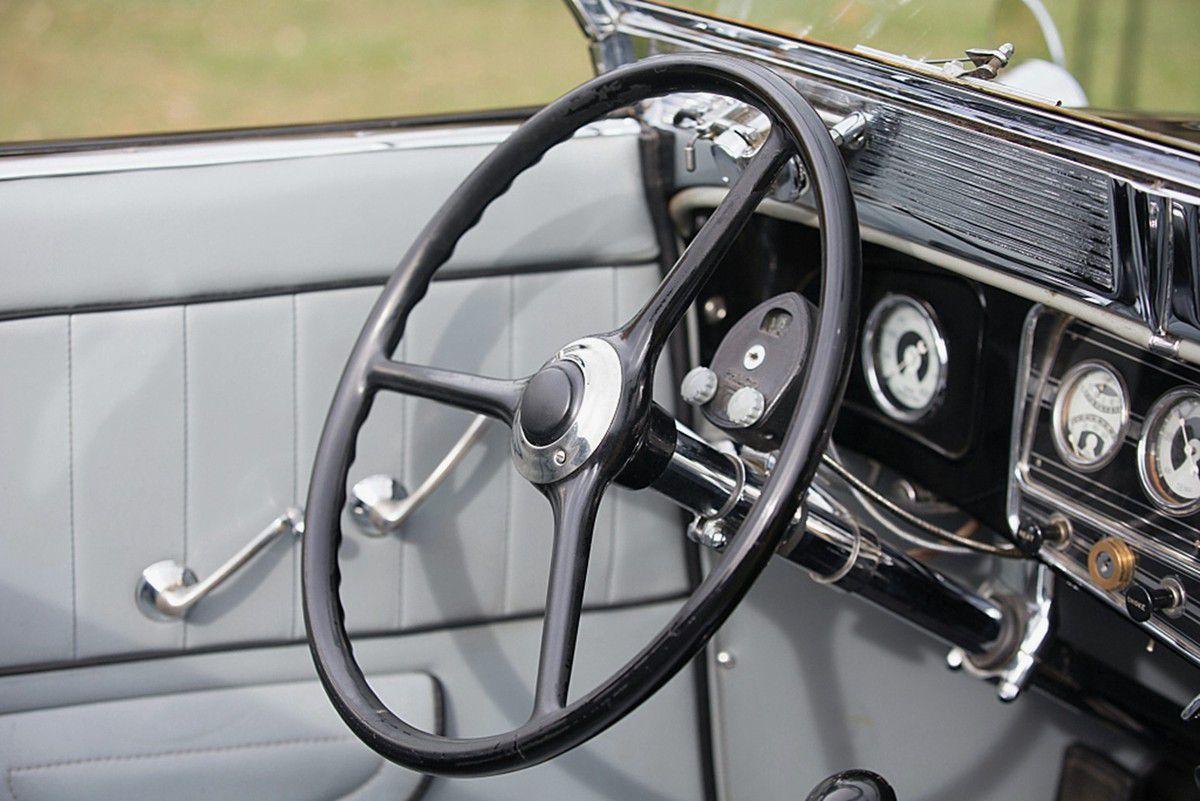 VOITURES DE LEGENDE (948) : AUBURN  V12  1250 DUAL RATIO CONVERTIBLE - 1934