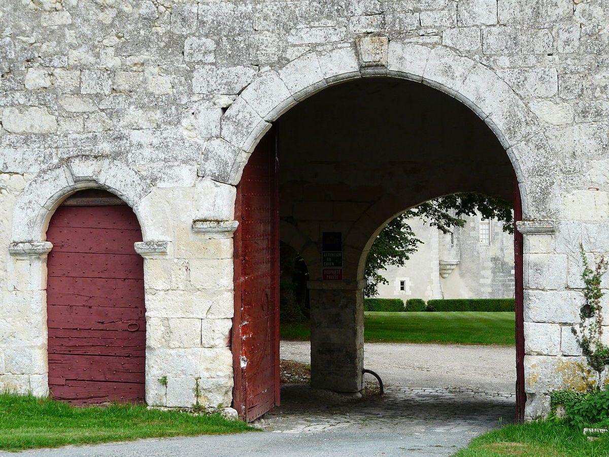 TRESORS DU PATRIMOINE FRANCAIS : GRAND-BRASSAC  (DORDOGNE) - LE CHATEAU DE MONTARDY