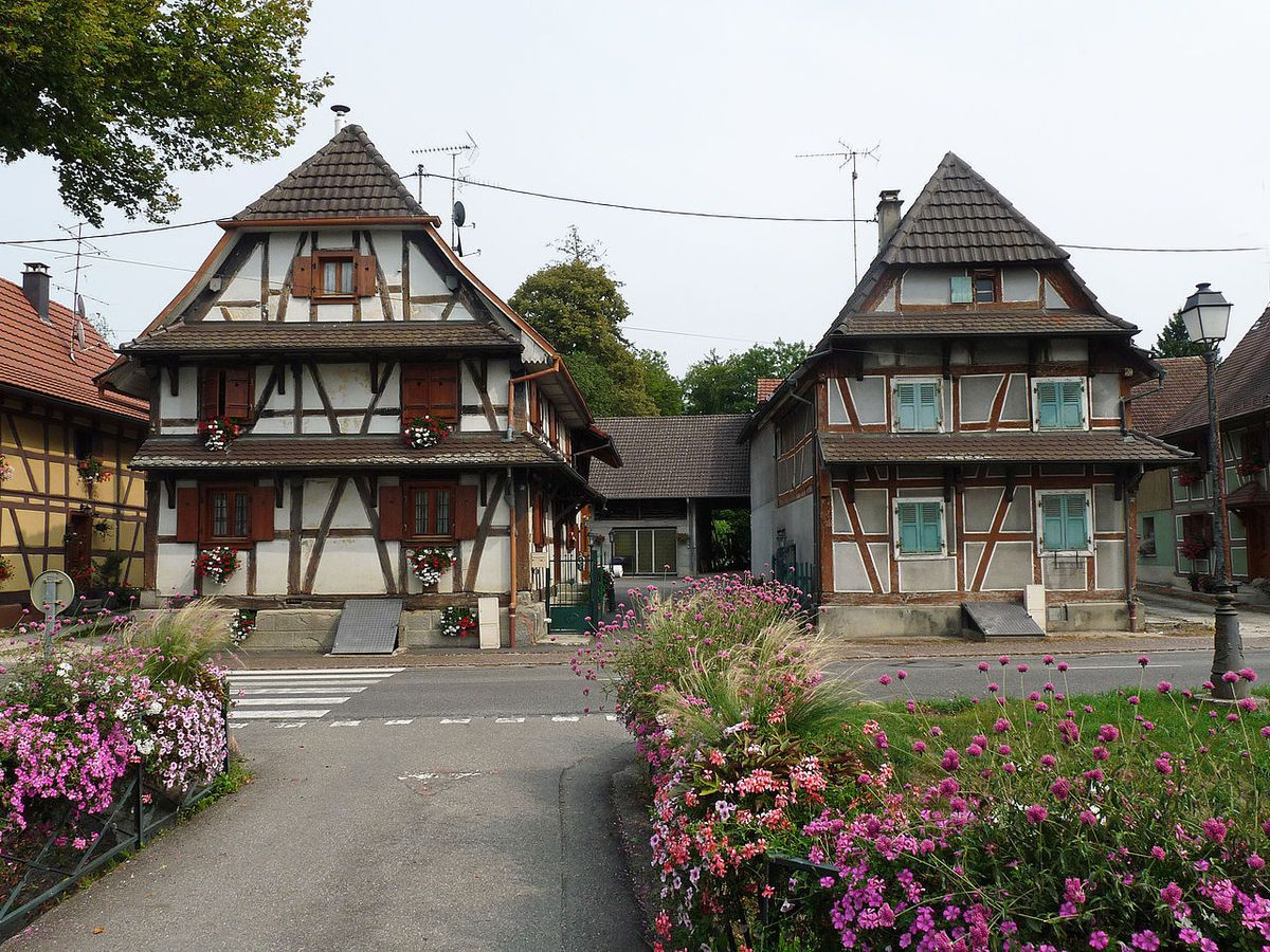 TRESORS DU PATRIMOINE FRANCAIS : HIRTZBACH  (HAUT-RHIN)