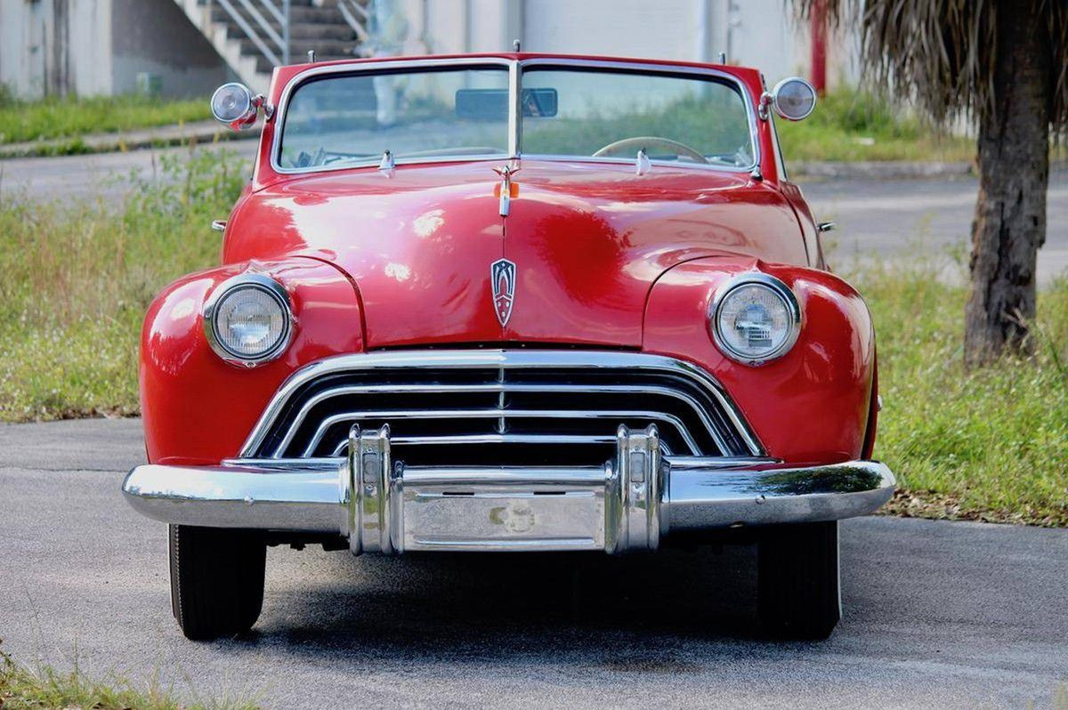 VOITURES DE LEGENDE (980) : OLDSMOBILE MODEL 98  2 DOOR CONVERTIBLE - 1947