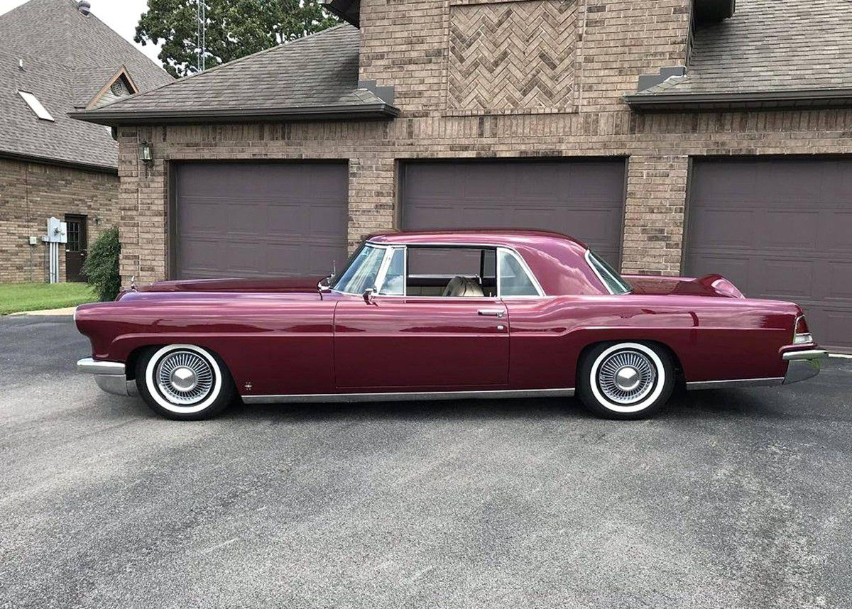 VOITURES DE LEGENDE (1017) : LINCOLN CONTINENTAL MARK II HARD TOP - 1957