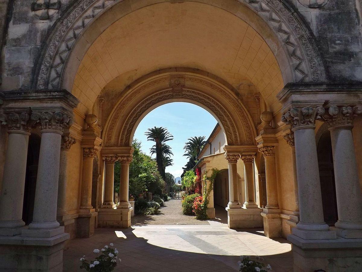 TRESORS DU PATRIMOINE FRANCAIS : ILES DE LERINS  (ALPES MARITIMES) -  LE MONASTERE DE SAINT-HONORAT