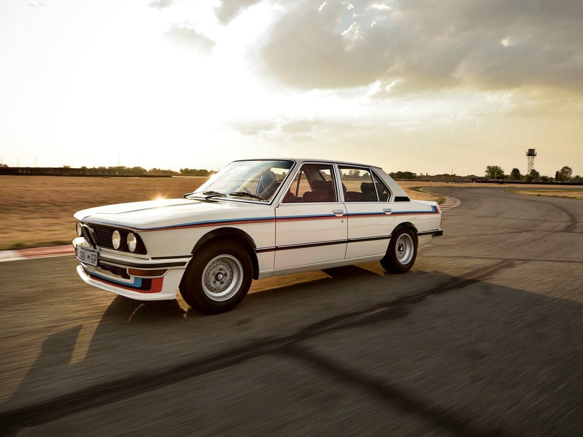 VOITURES DE LEGENDE (1043) : BMW MOTORSPORT LIMITED EDITION (MLE) - 1976