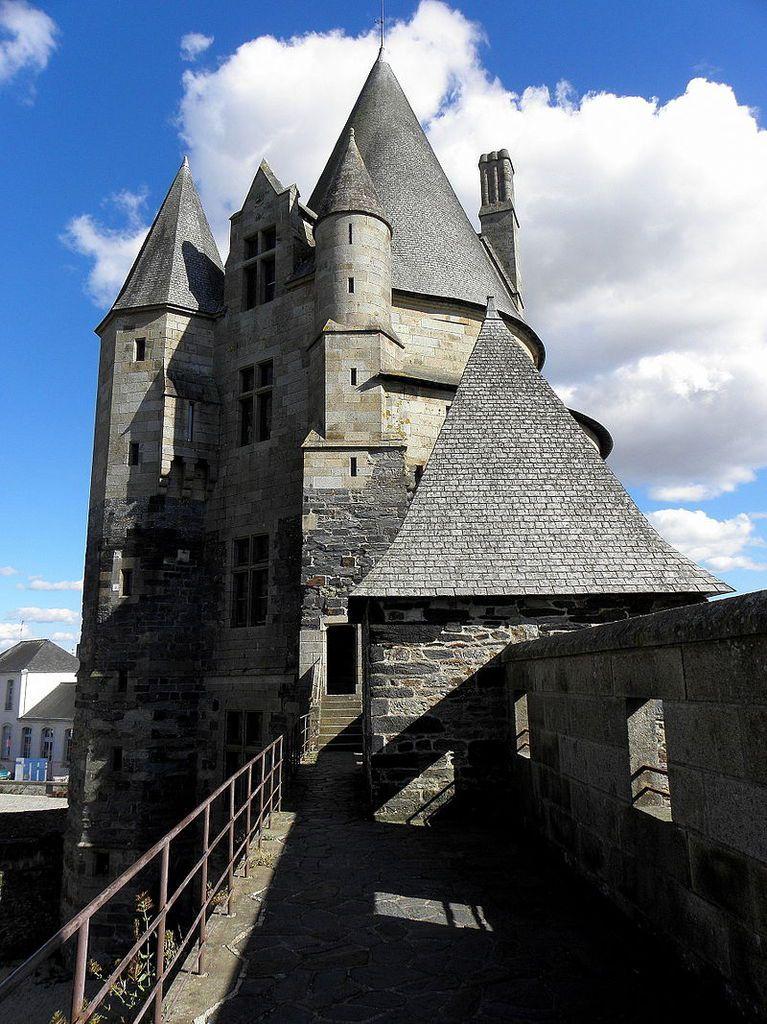 TRESORS DU PATRIMOINE FRANCAIS : VITRE  (ILE-ET-VILAINE) - LE CHATEAU