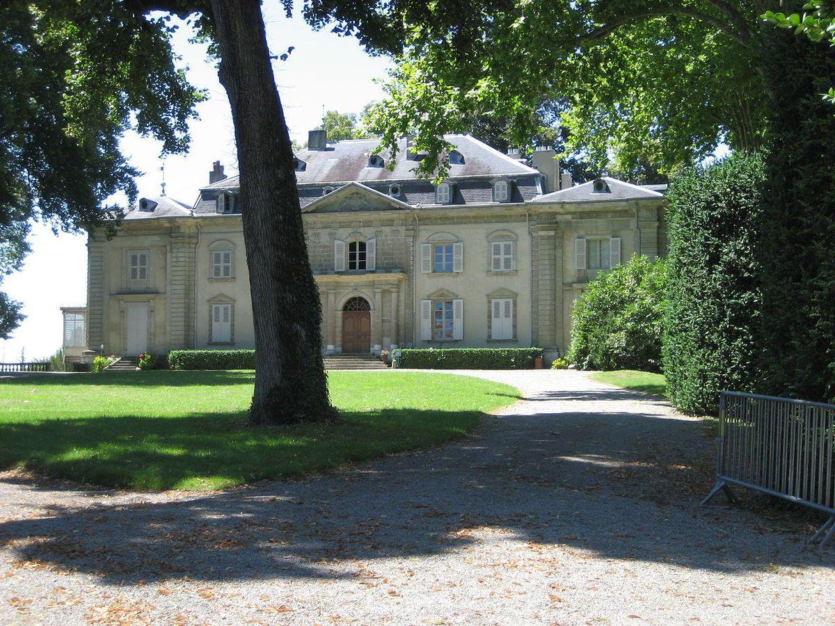 TRESORS DU PATRIMOINE FRANCAIS : FERNEY-VOLTAIRE  (AIN) - LE CHATEAU