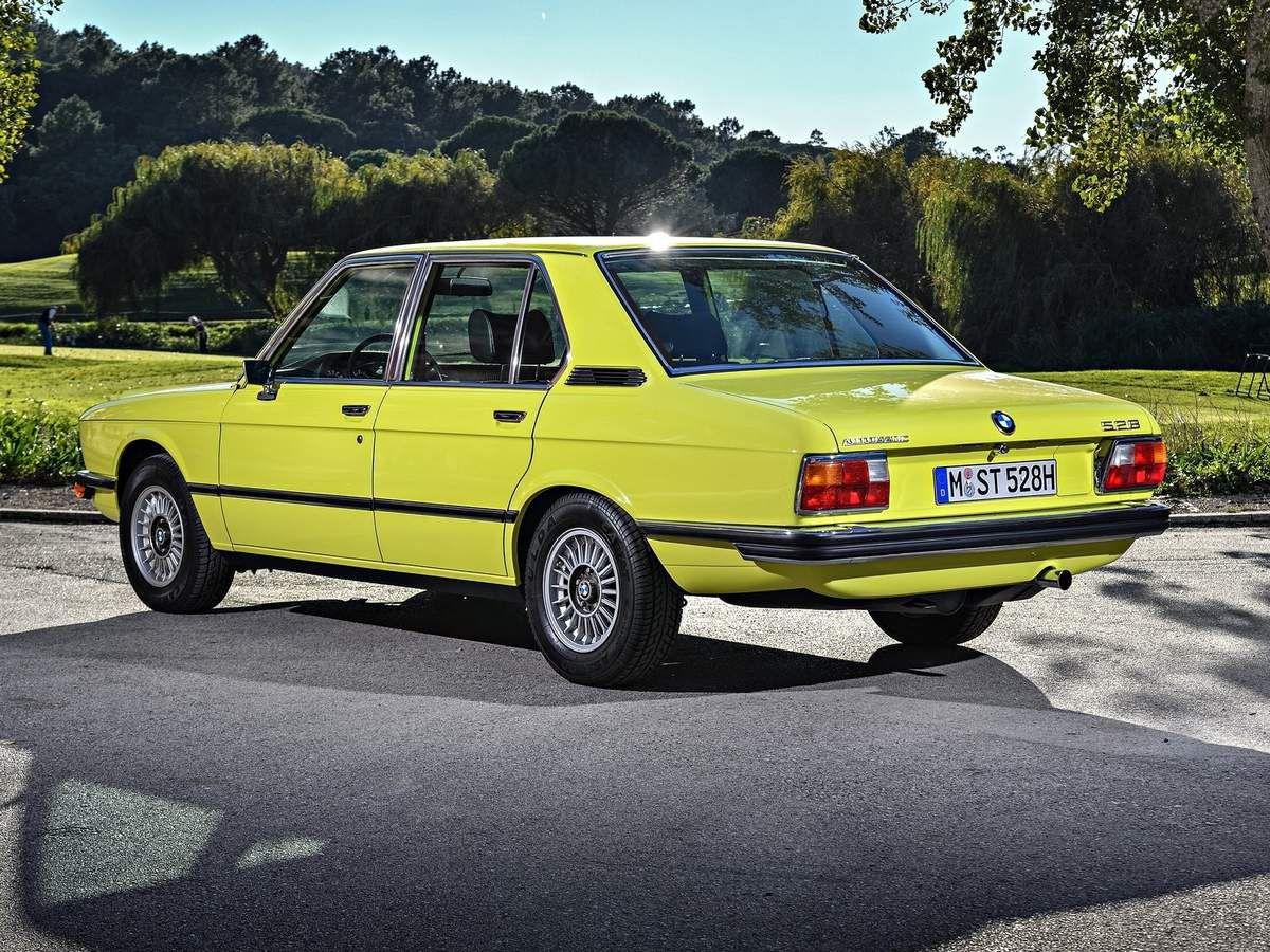 VOITURES DE LEGENDE (1054) : BMW  SERIE 5  E12 - 1975
