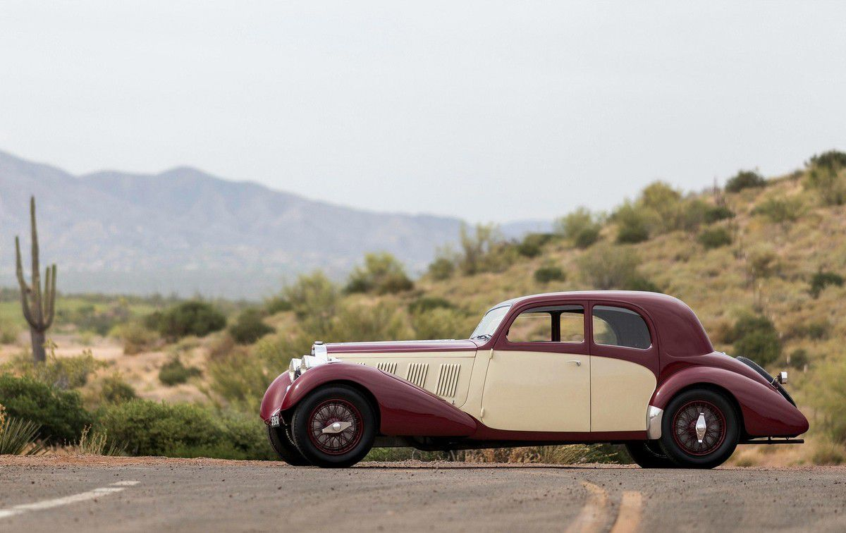 VOITURES DE LEGENDE (1098) : BUGATTI  TYPE 57  PILLARLESS GRABER SPORTS COUPE - 1937