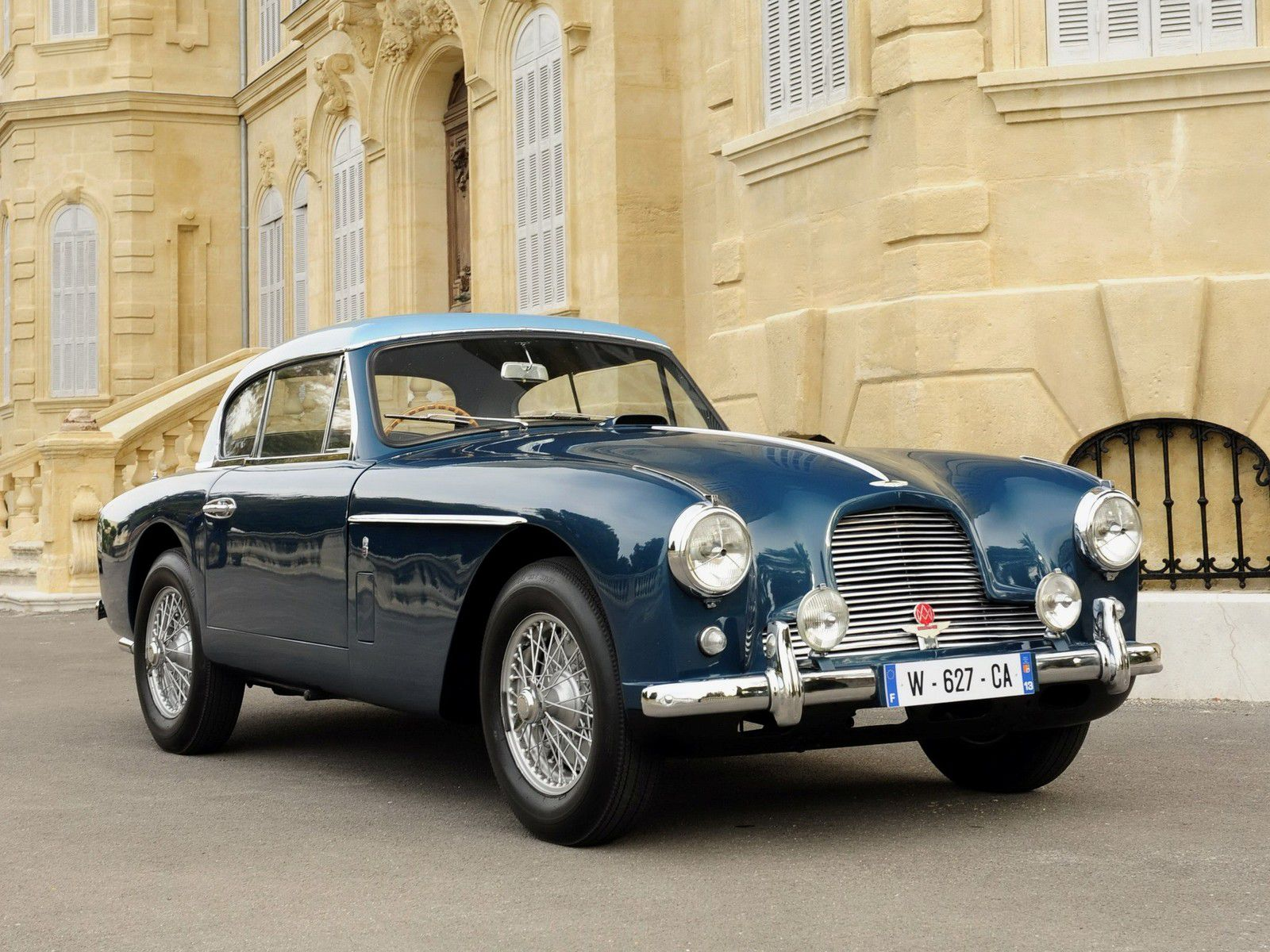 VOITURES DE LEGENDE (1136) : ASTON MARTIN  DB2/4 FIXED HEAD COUPE By TICKFORD - 1955
