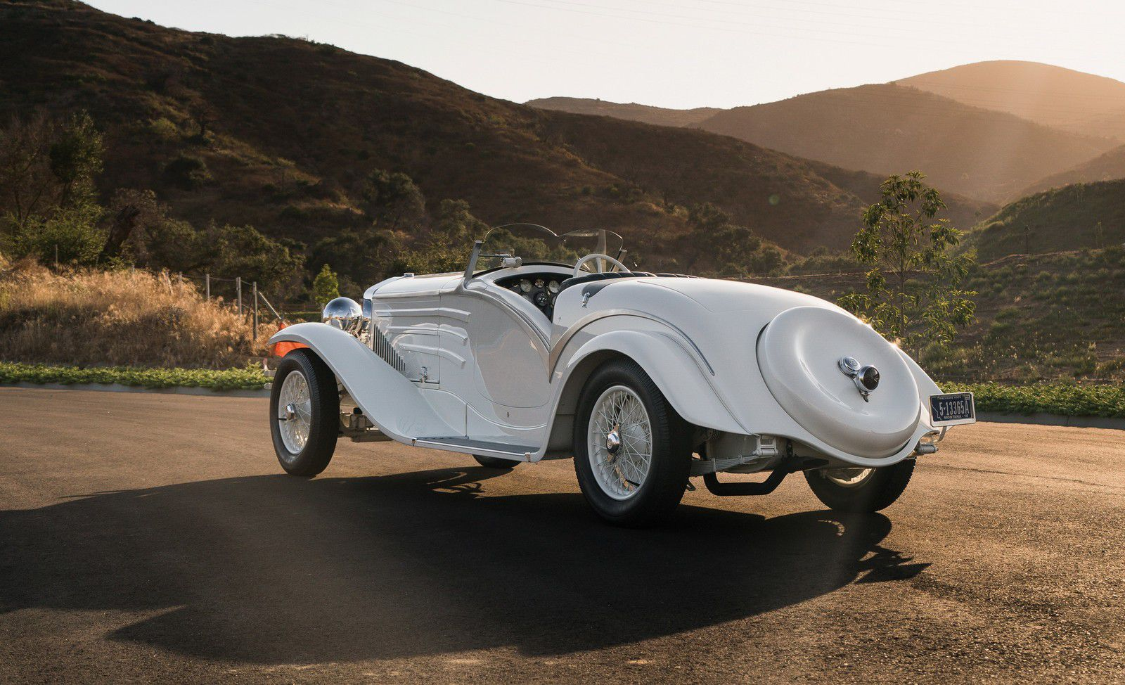 "VOITURES DE LEGENDE (1138) : ISOTTA-FRASCHINI  TIPO 8A TOURING SPYDER ""FLYING STAR"" - 1931"